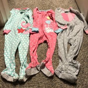 Set of 3 one-piece 12mo girl pajamas, footed